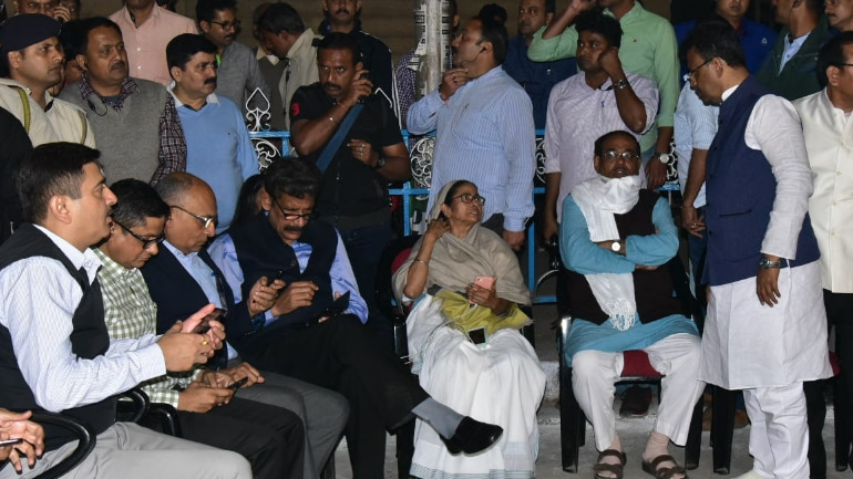 Political leaders from many states support Mamata Banerjee