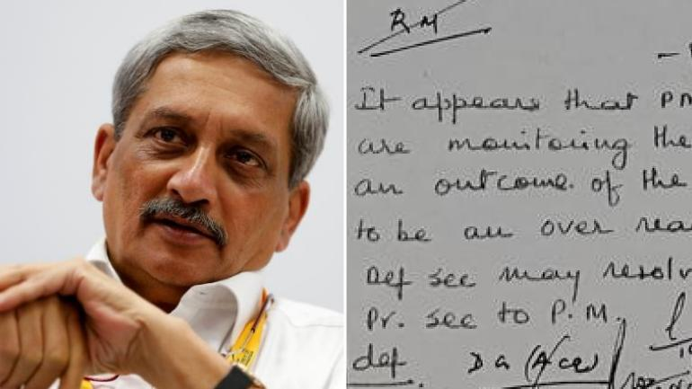 Rafale row rages. Meanwhile: How NEAT is Manohar Parrikar's handwriting?