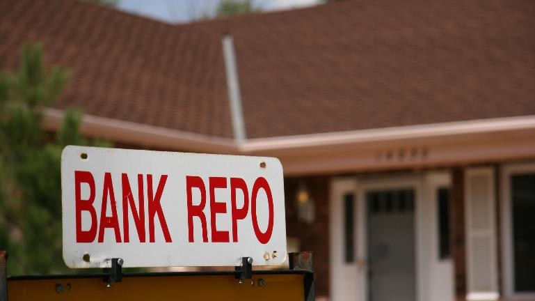 RBI reduces repo rate by 25 points, loans to get cheaper