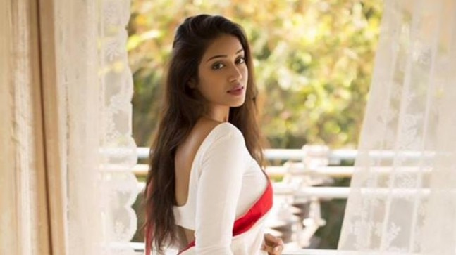 Nivetha Pethuraj posts photos from Meenakshi Amman Temple, gets brutally trolled, deletes pics