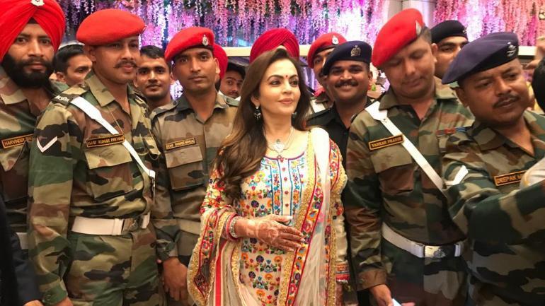 Nita Ambani celebrates Akash Ambani's wedding with Mumbai Police