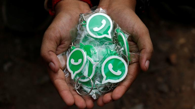 WhatsApp tells users to install official app, warns people