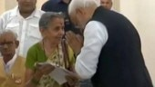 PM Modi touched feet of an old lady in Varanasi, but why?