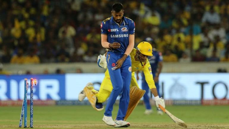 MS Dhoni was given run-out under controversial circumstances