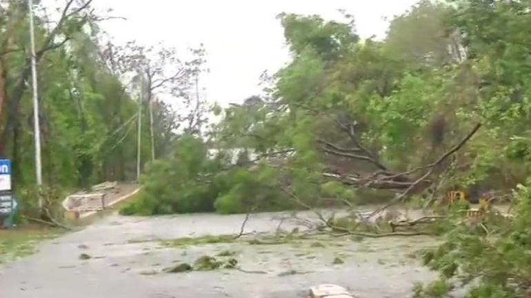 Cyclone Fani wreaks havoc in Odisha, Bengal braces for impact: 10
