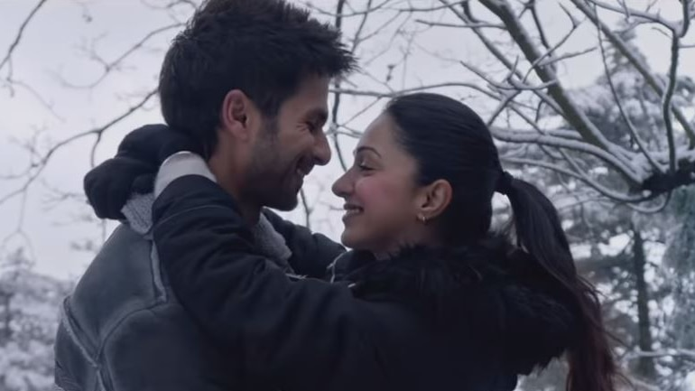 The trailer of Kabir Singh, which stars Shahid Kapoor and Kiara Advani, has just hit the web. The film has been directed by Sandeep Vanga.