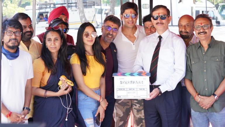 Sidharth Malhotra and Kiara Advani begin shooting for Shershaah in  Chandigarh. See pic - Movies News
