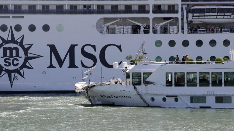 Out of control cruise ship crashes into boat in Venice, 4 tourists