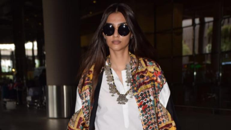 Sonam Kapoor at the Mumbai airport