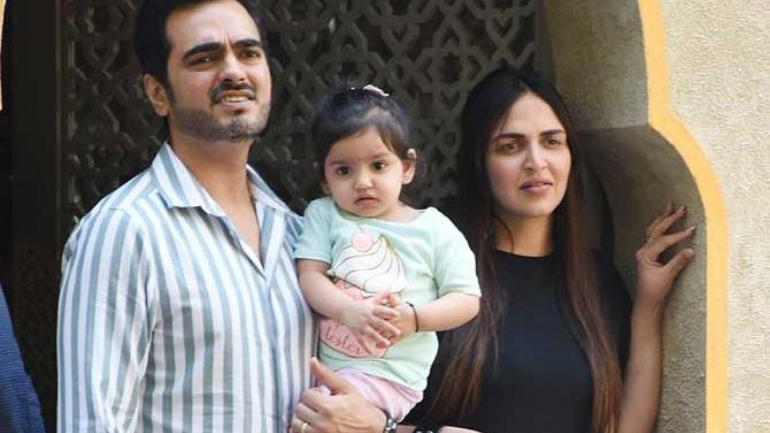 Esha Deol and husband Bharat Takhtani welcomed their second child, a baby girl, on June 10. Bharat says that Miraya looks like Esha, while Radhya resembles him.