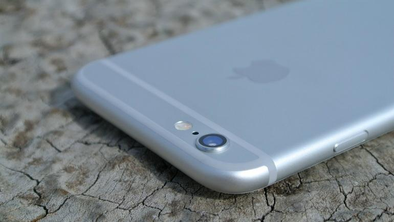 Fraudsters steal Apple iPhones worth $19 million in a