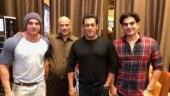 Salman Khan recreates Hum Saath Saath Hain moment with Sooraj Barjatya at Bharat screening. See pic