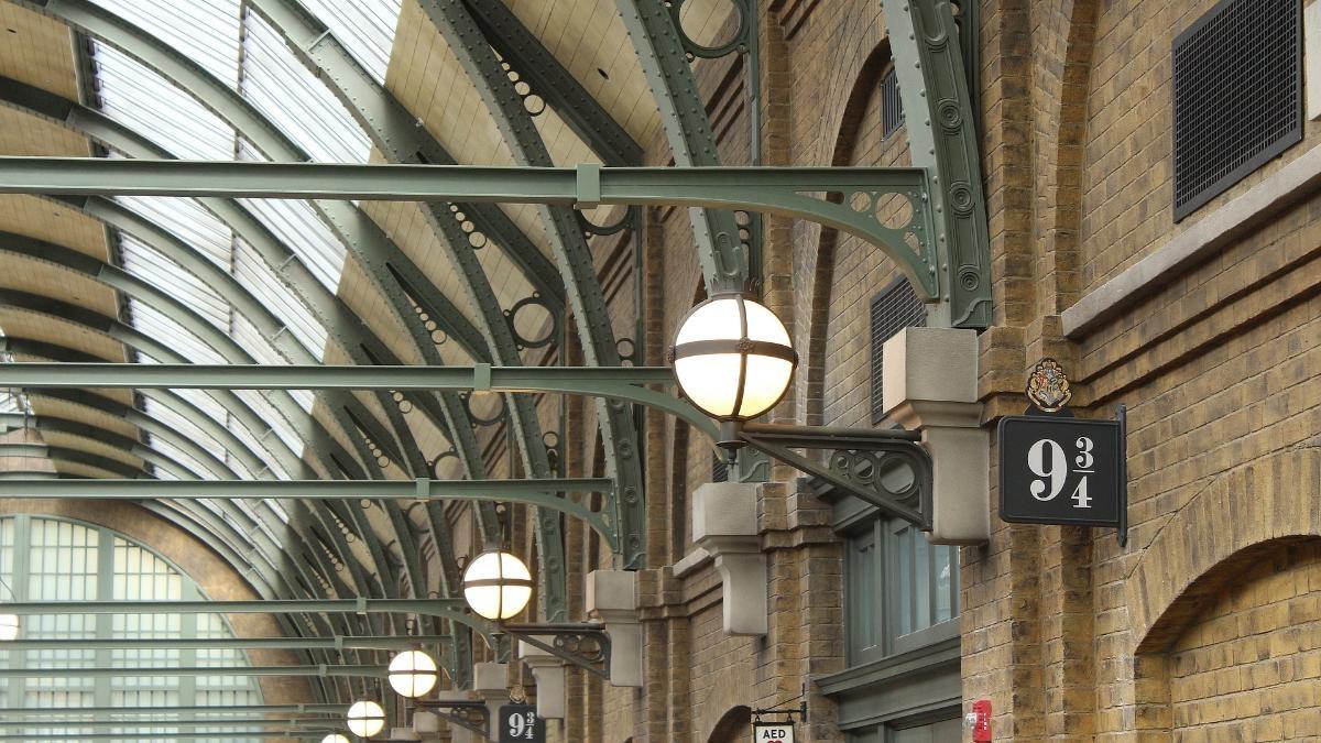 train station 1920