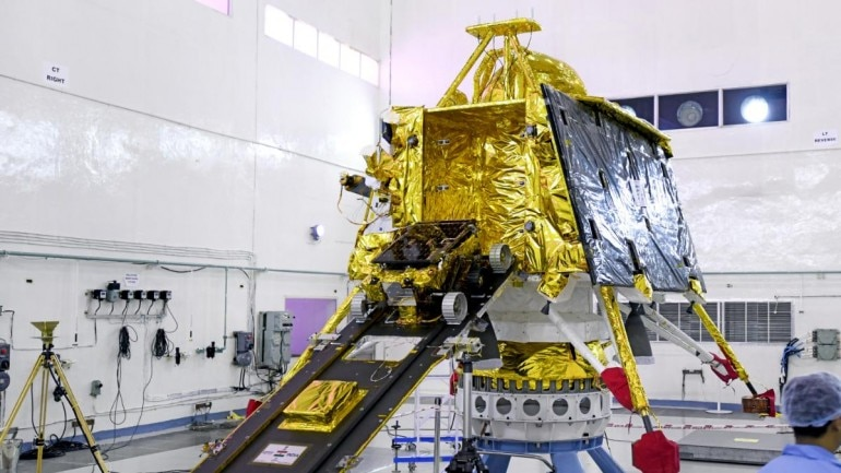 Before Chandrayaan 2: ISRO asks Indians what will you take to the