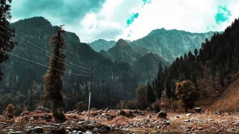 tourists in manali leave over  tonnes of garbage behind in two  image posted on instagram by manali tourism