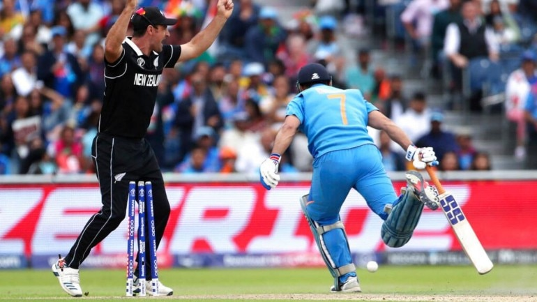 MS Dhoni run out after umpiring error? Fans raise questions