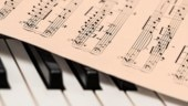 Music helps in reducing anxiety before anesthesia, says study
