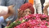 MDH owner Mahashay Gulati breaks down, sits at Sushma Swaraj's feet to pay tribute