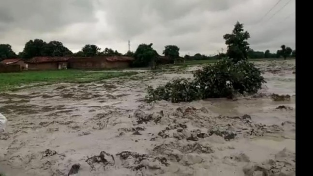 Toxic water from Essar plant entering our fields, say MP farmers. Essar accuses them of sabotage