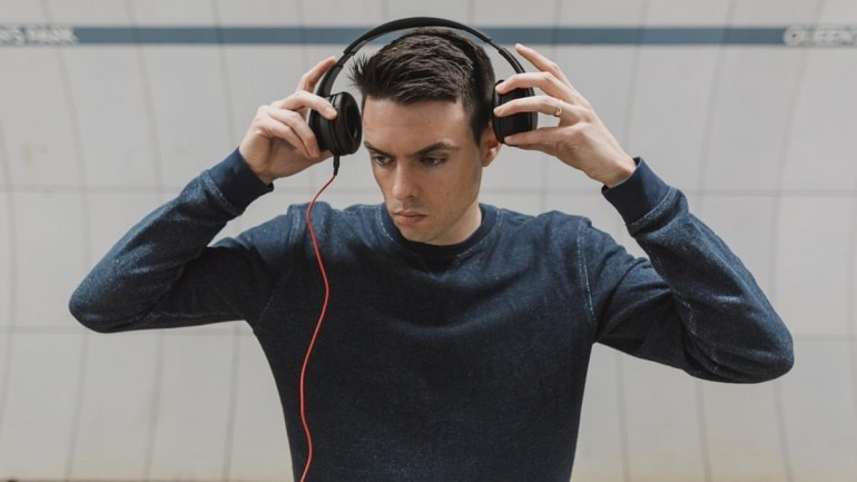 Having no interest in listening music may lead to brain disconnection