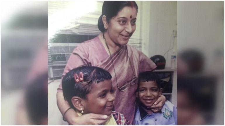 How a hug from Sushma Swaraj changed lives of 2 HIV Positive Kerala