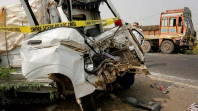 Three killed in accident in Jhansi