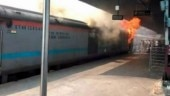 Fire breaks out in Chandigarh-Kochuveli Express at New Delhi railway station