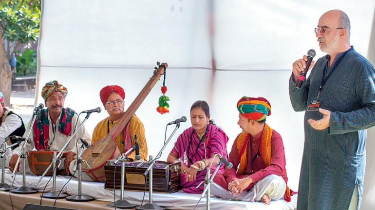 Music of the desert, folk-style