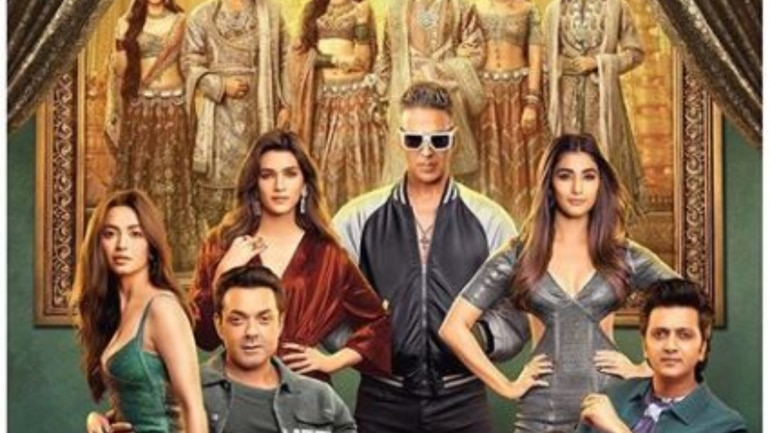 The trailer of Housefull 4 has just hit the web.