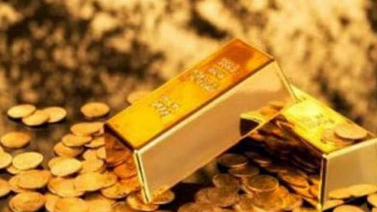 Gold prices drop by Rs 300, silver tumbles