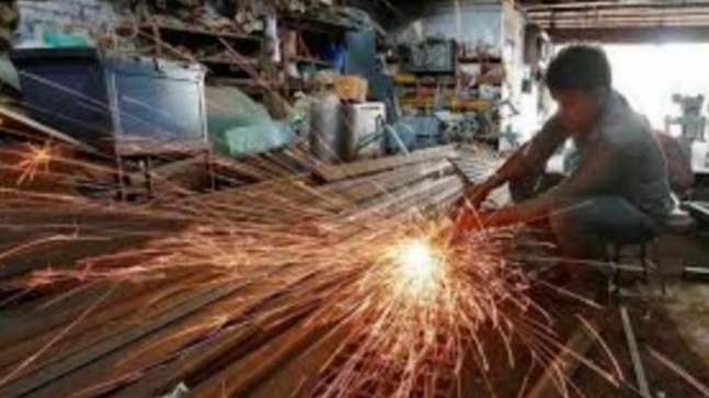 India's factory output rises marginally as capital goods advance