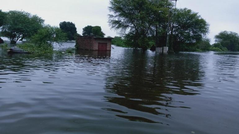 Floods wreak havoc in UP's Hamirpur, DM says it won't affect polling