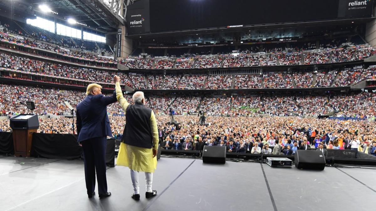 Howdy, Modi! from the audience: How Narendra Modi, Donald Trump held the  world's attention - News Analysis News