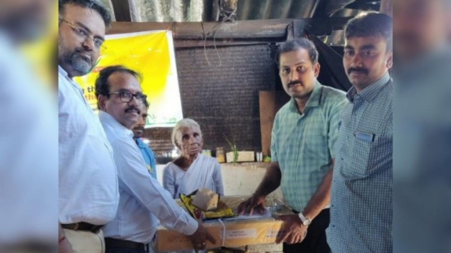 Tamil Nadu woman who sells idlis for Re 1 gets LPG connection. Thank you, Anand Mahindra