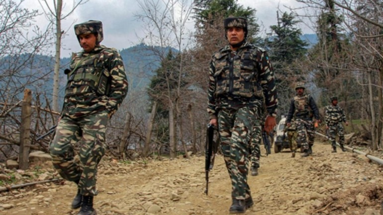 Army nabs 2 Pakistan nationals planning to guide terrorists into J&K