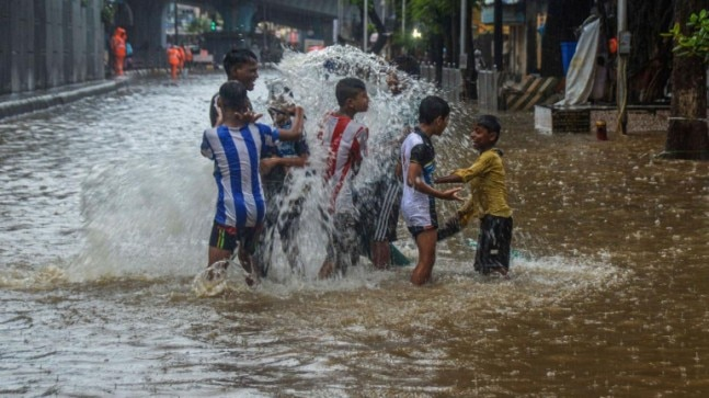 Mumbai: IMD predicts heavy rainfall in city, CM Devendra Fadnavis monitoring situation