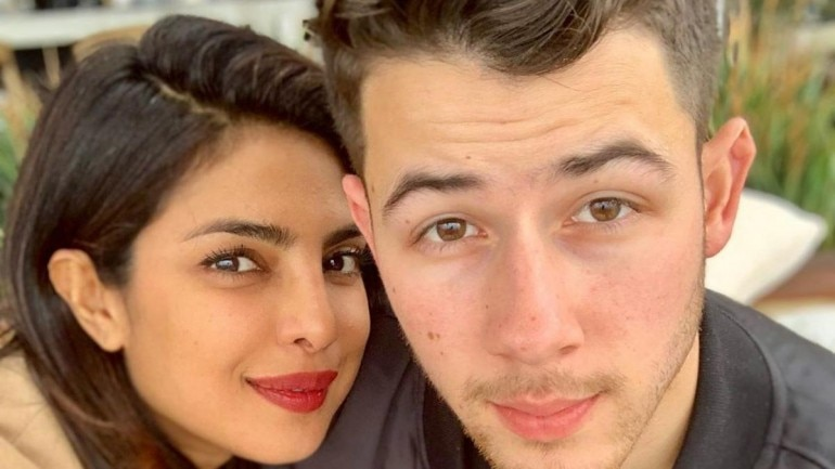 Nick Jonas says I Love You to Priyanka Chopra.