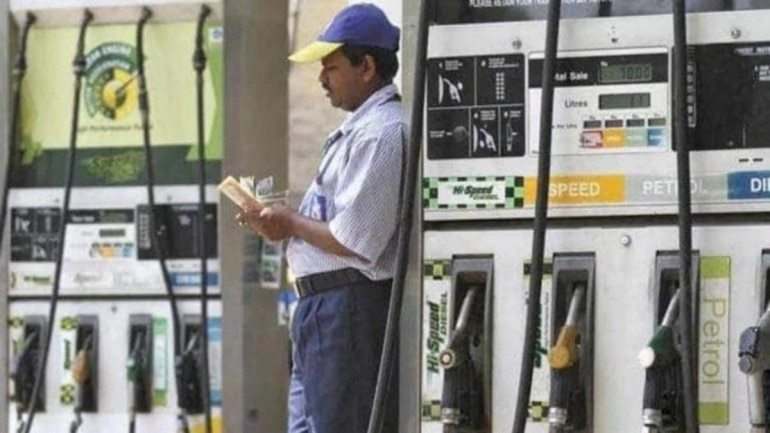 Petrol price hiked by 27 paise to Rs 73.62 a litre in Delhi