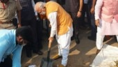Haryana CM Manohar Lal Khattar takes part in Swachhta campaign in Gurugram