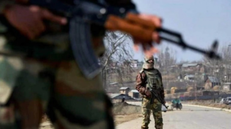 Shortage of arms in Kashmir forces terrorists to loot weapons: Northern Army Commander