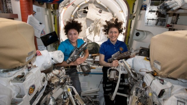 Women woo world and space after Nasa's first all-woman ...