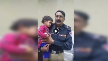 Fact Check: Viral video of lost child is not from India but Pakistan