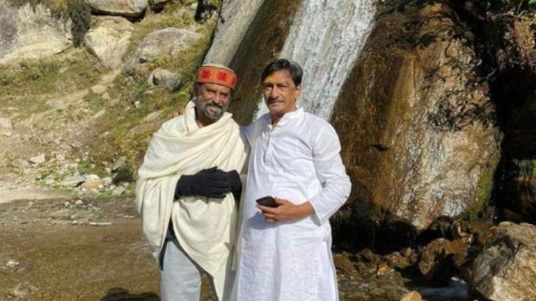 Rajinikanth with his friend Hari in Himalayas