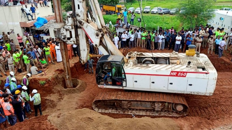Save Sujith: Tamil Nadu toddler remains stuck in borewell on Day 4, race against time to dig rescue well