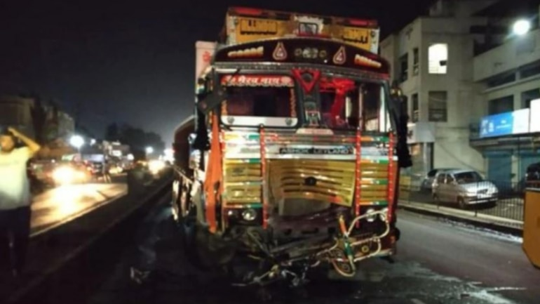 Speeding truck kills two youths and 4 other injured.