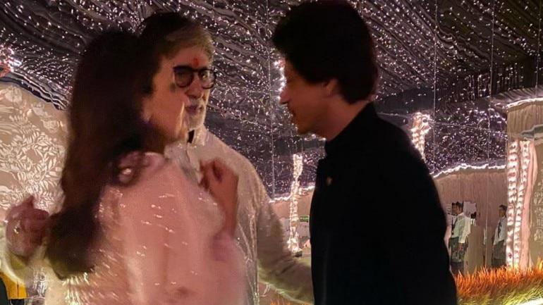 Amitabh Bachchan shared a photo with SRK and Gauri Khan from Diwali bash.