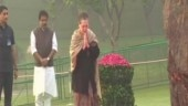 Sonia Gandhi, Manmohan Singh pay tribute to Indira Gandhi on birth anniversary