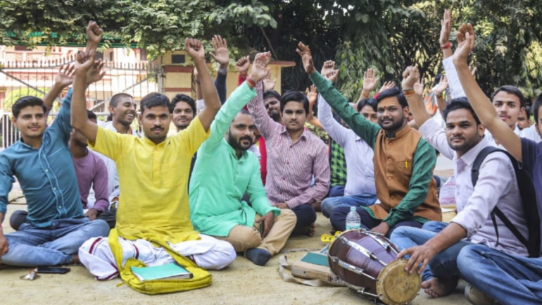BHU: Students to end protest against Firoze Khan's appointment in Sanskit department