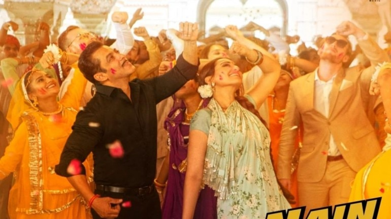 Salman Khan and Sonakshi Sinha in Habibi Ke Nain.