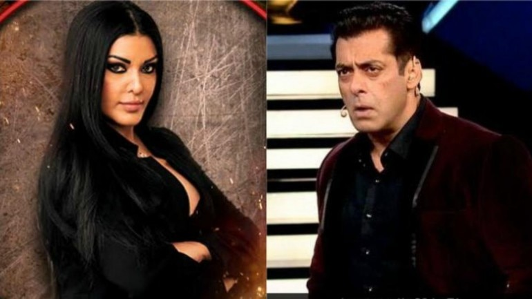 Koena Mitra Asks Salman Khan To Stand Up Your Baby Sana Is